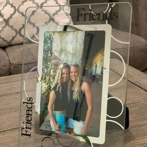 """Glass 4x6 """"Friends"""" picture frame"""